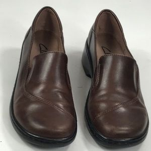 Clarks Brown Slip Ons Loafers Shoes Sz 7.5M